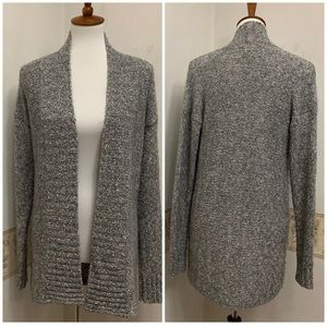 Tommy Bahama Light weight knit Cardigan